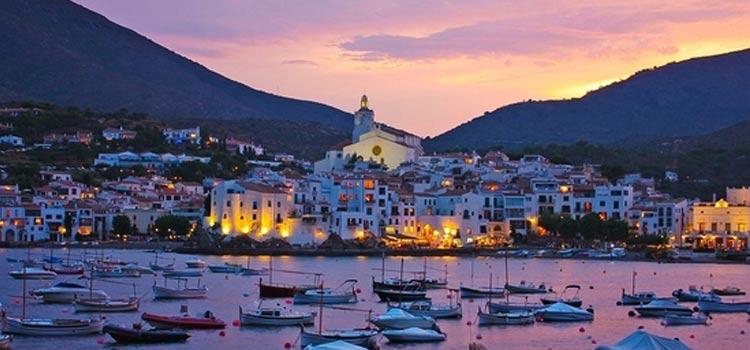 Cadaqués es uno de los pueblos más bonitos de España de la costa