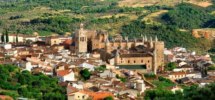 Guadalupe es otro de los pueblos más bonitos de España que aquí recogemos