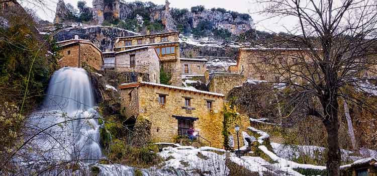 Entre los pueblos más bonitos de España no podía faltar Orbaneja del Castillo