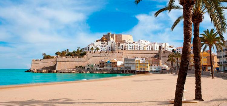 Dentro de los pueblos más bonitos de España está Peñíscola